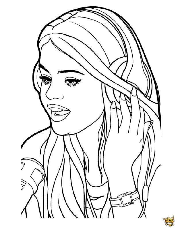 Selena en studio est un coloriage de star